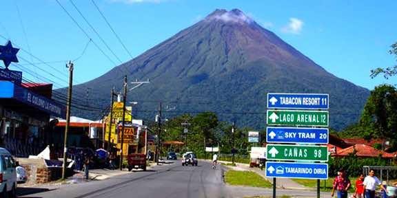La Fortuna Street Volcanoi.jpeg